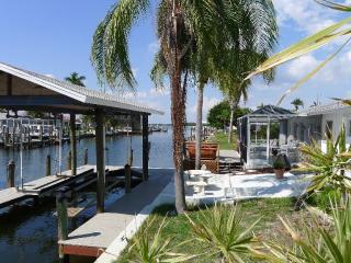 Sun and Island Breezes Matlacha Waterfront Home