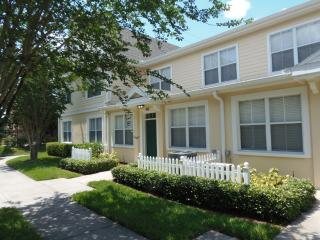 3 Bedroom Town Home with Resort Facilities, Kissimmee