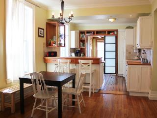 Earthy 1BD in Heart of Hintonburg!