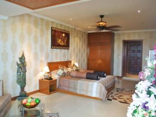 Nice sea view studio at Jomtien (Paradise F8 R202), Pattaya