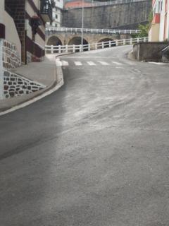 Carretera de bajada al puerto