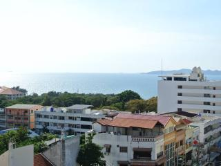 Sea view studio condo at Pratumnak (Peak F6 R54), Pattaya
