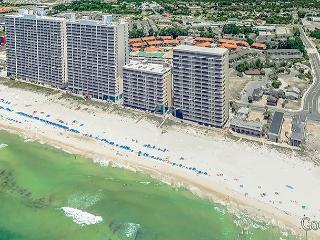 BEACHFRONT FOR 10! BEAUTIFUL IN AND OUT! 10% OFF MARCH STAYS! CALL NOW!, Panama City Beach