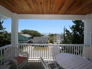 Sanderling South -Ocean view duplex with open floor plan & great views, Kure Beach