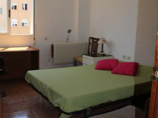 Summer flat 4 rooms for 7 persons rooms with WiFi, Valência