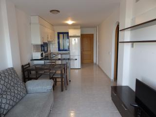 LIM02 2 bed apartment 5 mins walk from beach, Isla Plana