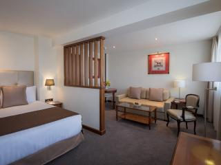 Melia Whitehouse Executive Studio Apartments, London