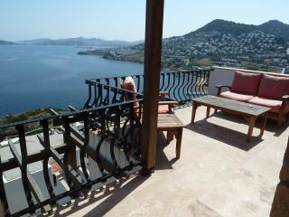 Blue Water Bay Penthouse Apartment, Yalikavak