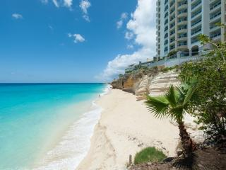 The Cliff, Amazing 3BR beachfront condo, Cupecoy Bay