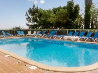 In Corsica, apartment w balcony, pool, tennis, sleeps 4 - 50m from Moriani Beach, Corte