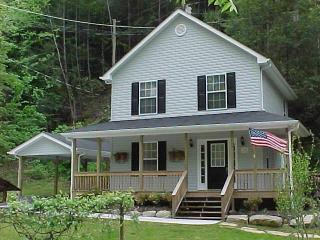 AMERICAN PATRIOT HAVEN on the Creek.., Gatlinburg