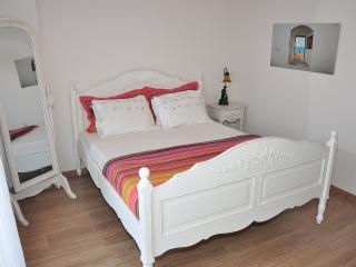 Double bedroom on the second floor.This double bedroom is located on the highest floor of the villa.