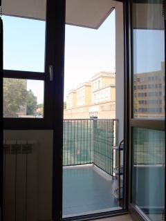 Accesso alla terrazza // To the balcony