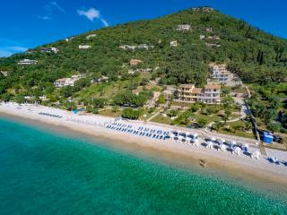 Corfu Modern Ground floor Seaview Beach Apart, Nissaki