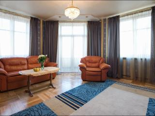 One-bedroom standart on Nezavisimosti (39), Minsk