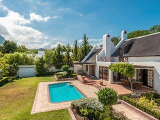 The Thatched House - Stunning 4 bedroom house with pool and secluded gardens