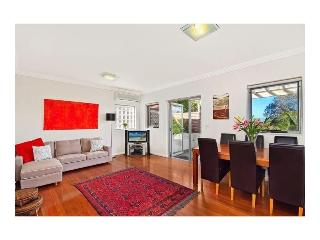 Charming 2 bedrooms apartment in Neutral Bay