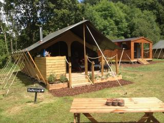 Daisy Meadow Safari Tents Glamping, Uffculme