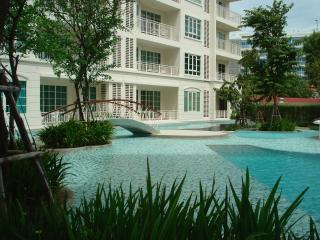 2 bed / 2 bath condo in summer resort, Hua Hin