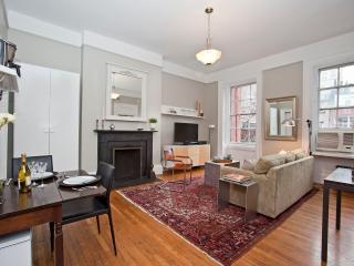 Luxury One Bedroom with Private Balcony, New York