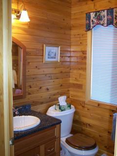 Shipyard Cottage - First floor bath