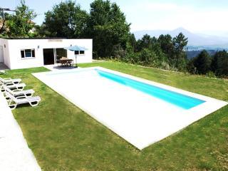 Villa w / bela vista panorâmica, zona muito calma, Celorico de Basto