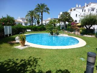 2 bedroom apartment in Aldea Blanca, Puerto Banus