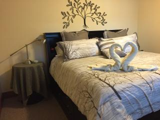 Suite Escapes BC Bed & Breakfast King Suite, Scotch Creek