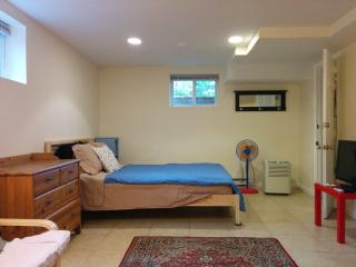 Efficiency/Nice Clean Studio Basement Apartment, Washington, D.C.