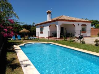 Chalet unifamiliar con piscina en Roche Viejo, Conil de la Frontera