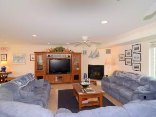 MEMORIES BEACH HOME-OCEAN BLOCK-SLEEPS 32-POOL-HOT TUBS-GOLF-CHEF-8.11-8.18 DSCT