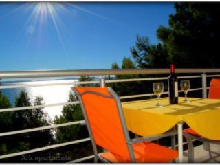 Ark 4* panoramic sea view suite 1/3, Goat, Split