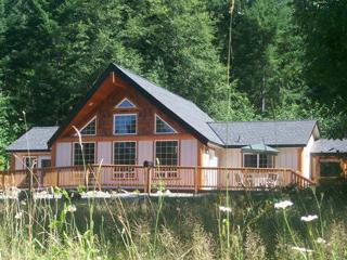 Timberline Chalet at Mt Rainier.pool.htub.wifi.bbq, Packwood