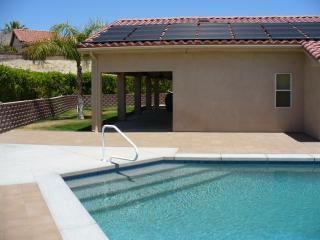 Mission Lakes Swim & Golf Oasis, Desert Hot Springs