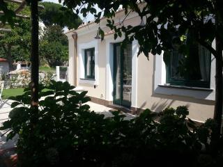 Villa con giardino nel centro di Ravello: unità 1