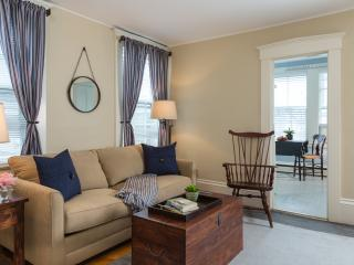 Historic harbor area apartment, Marblehead