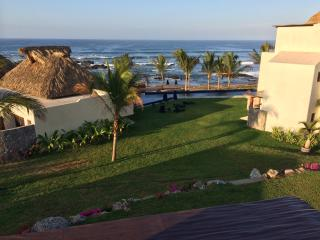 Irekua Beach House, Ixtapa