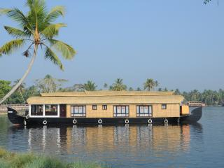 Strawberry Houseboat, Alappuzha