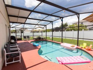 Luxury villa with private yard/pool in golf resort, Kissimmee