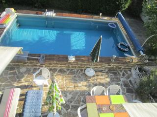 Holiday home Caro's with a private pool, Confolens