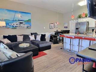 All New & just steps Off the Beach w/a Game Room and Beautiful Furnishings!, Corpus Christi