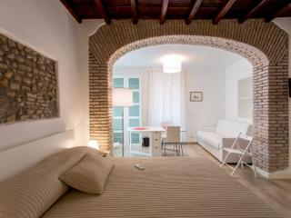 Luxury Apartment in Monti-Colosseum TCN