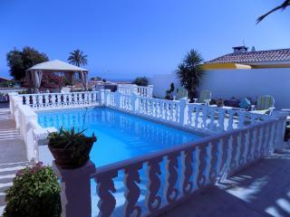 Villa con piscina y jardín privado (CASA 1), Los Realejos