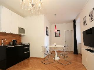 CROWN RENTAL CITY APARTMENT