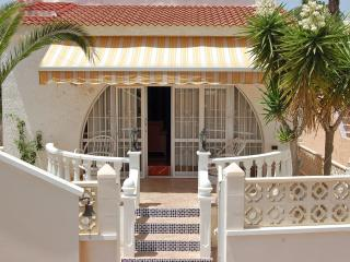 Luxury Villa In Blue Lagoon 2 Bed 1 Bath & Private Pool, Ideal For Family, Villamartin