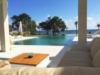 Villa Mathan - Bali - New modern beach villa, Lovina Beach