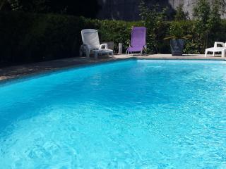 Pavillon avec jardin piscine