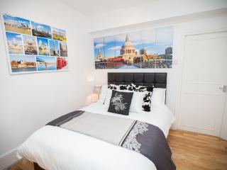Camden 2 Bedroom Apartment (5 mins walk to Tube), Londres