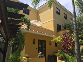 Casa Florencia A Boutique Property Pool, WiFi A/C, Rincón