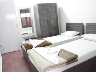 2 Bedroom Serviced Apartment in Malad East, Mumbai (Bombay)